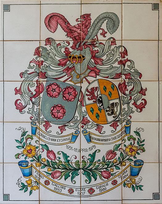 Family crest painted on tiles in the hall on the first floor