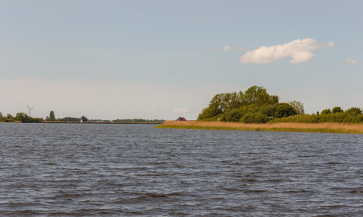 Het Coevordermeer in Friesland, niet ver van Bed en Breakfast Huize Boschoord